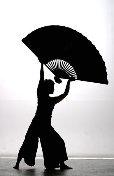 fan-dance-2