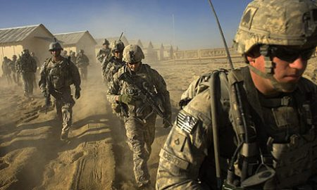 us-troops-set-out-on-a-pa-0011